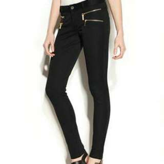 Need Help 😊 Looking for these type of pants.. Pm me if you have.. Size 25-26   Ankle Zip Pants Or Zipper Pocket Detail. Skinny.  Thanks!
