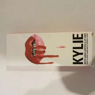 Kylie MATTE LIQUID LIPSTICK &LIP LINER