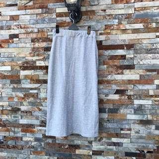 淺灰棉質長窄裙
