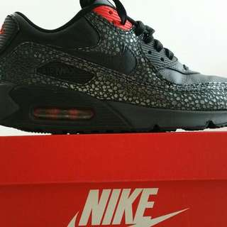 867c57e4f1d8d9 Nike Air Max 90 Deluxe