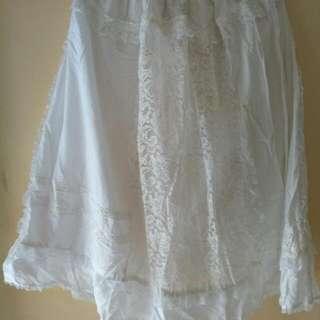 Rok Putih Lace