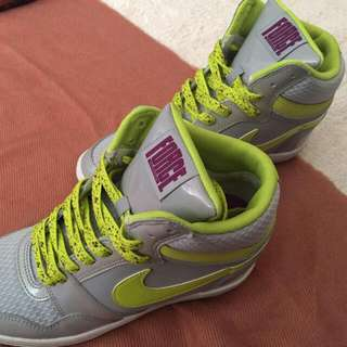 Nike內增高球鞋