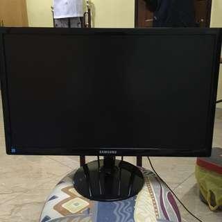 Samsung S23C350H 23-Inch Screen LED-Lit Monitor