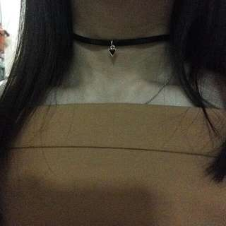Choker Triangle Pendant