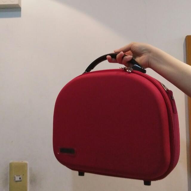 半月形魅力紅行動箱