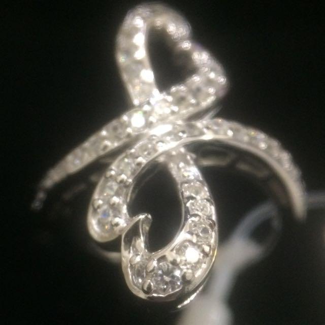 鑲鑽造型戒指
