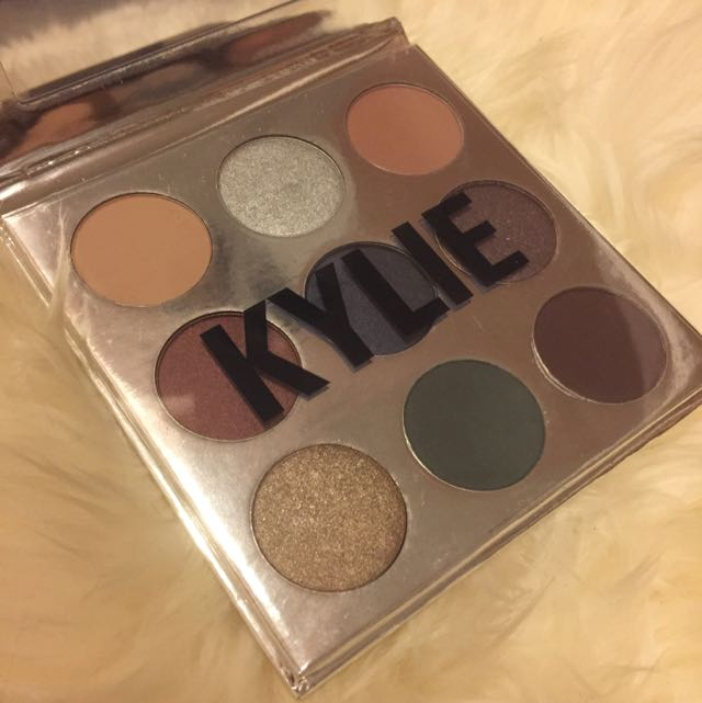 BN Kylie Cosmetics Holiday 2016 Palette