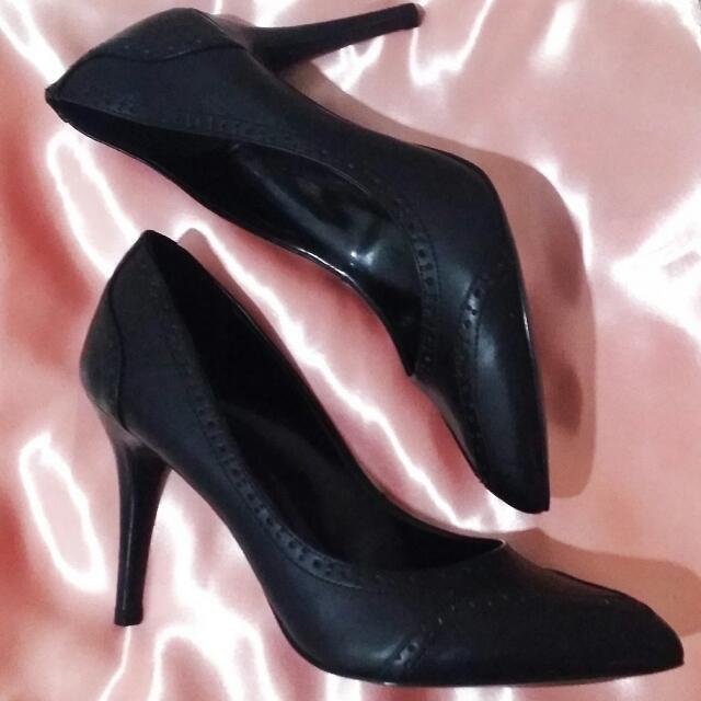 Charles & Keith Stilletos