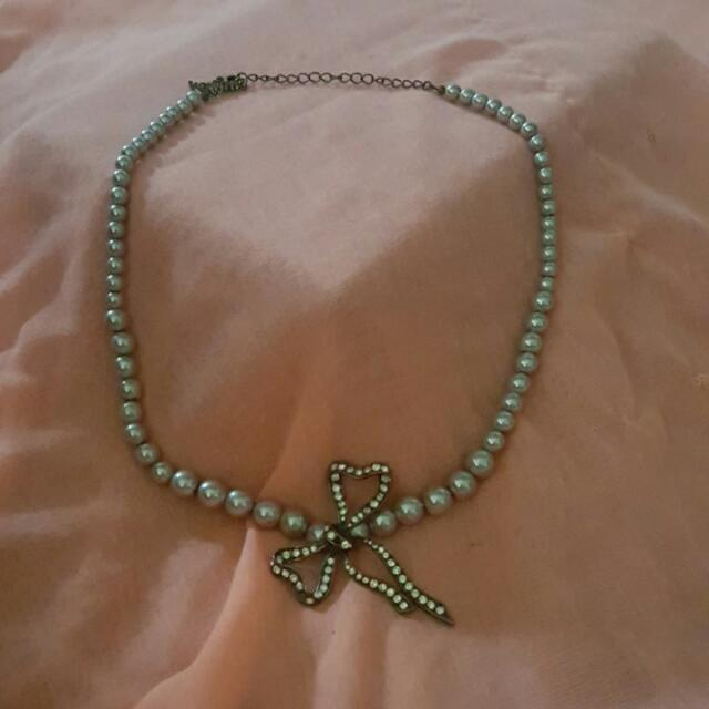 Imitation Grey Pearl Necklace With Bow