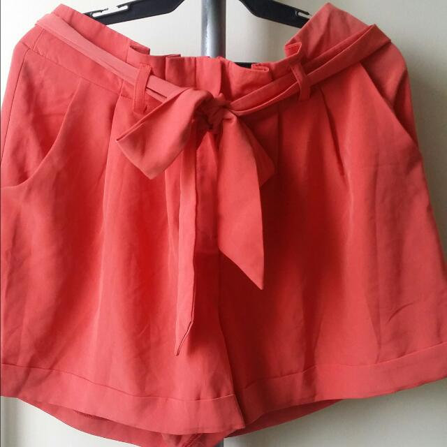 Miss Selfridge Short Size 10(S-M)