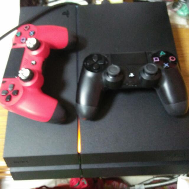 PS4主機