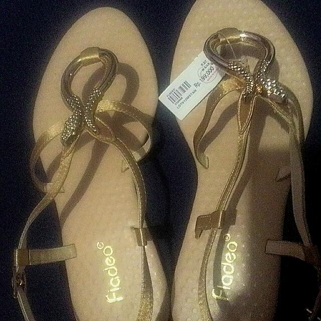 [REPRICED] SANDAL FLADEO GOLD
