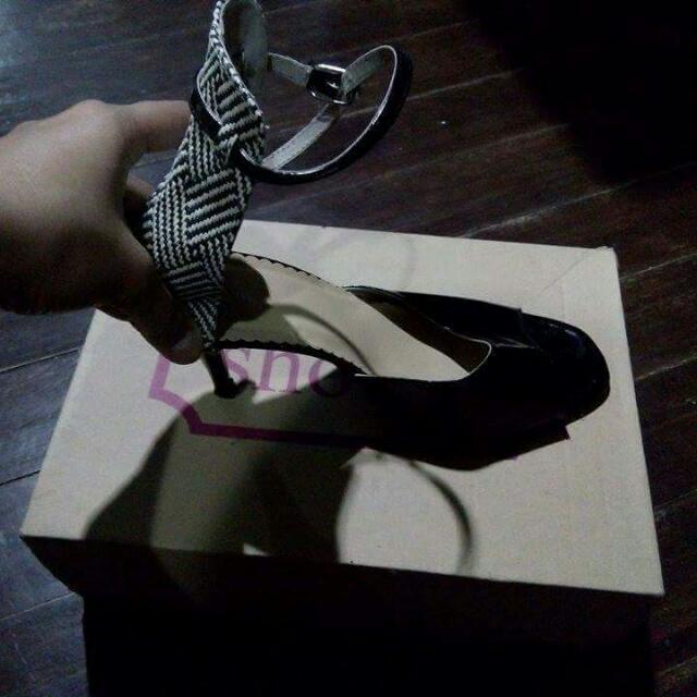 Shoo In High Heels Black