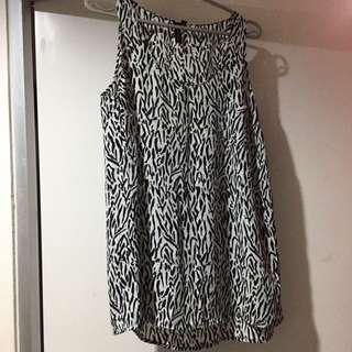 Sleeveless CottonOn Shirt Sz L
