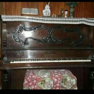 Antique Grand Piano WALTERS