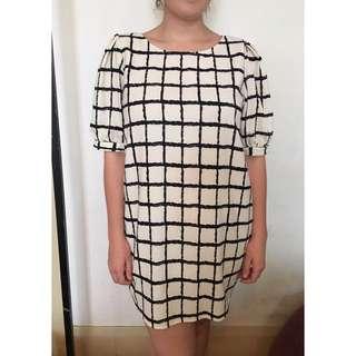 Geometric Print Shift Dress L