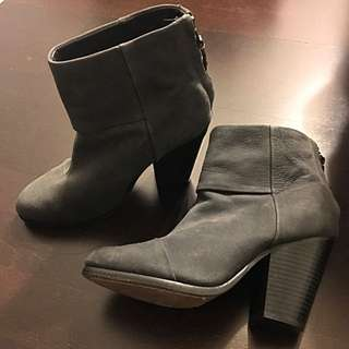 Rag & Bone Size 8 Grey Booties