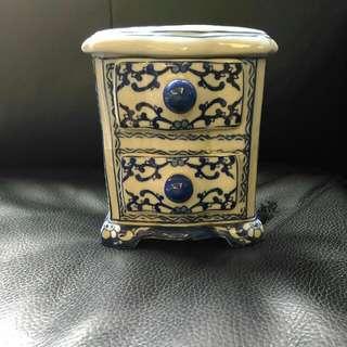 景德藍瓷小斗櫃