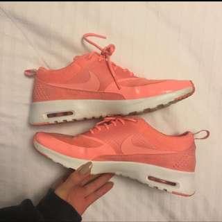 Air Max Thea Coral