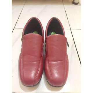 Faux Leather Maroon Shoes