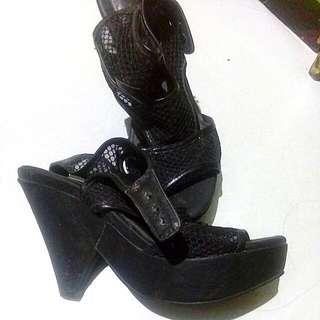 sandal for sale
