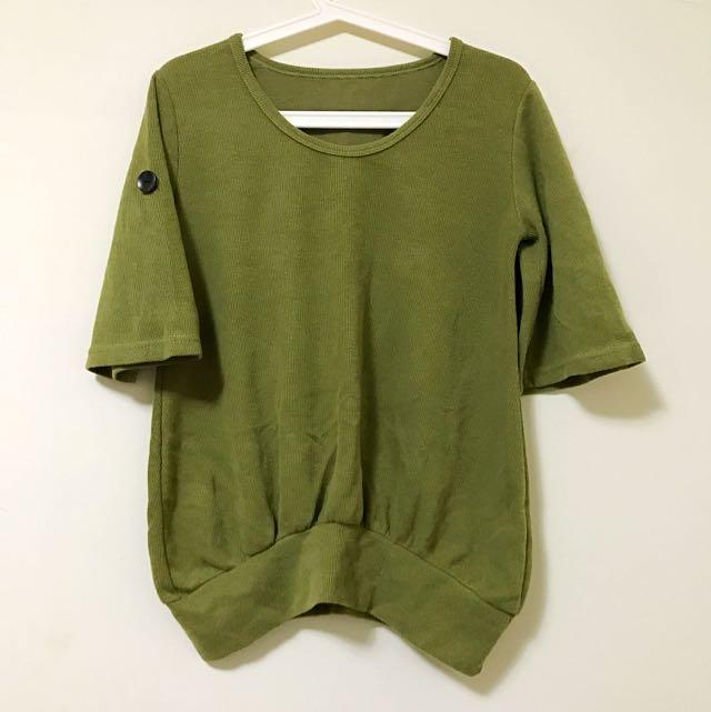 芥末綠五分袖針織上衣