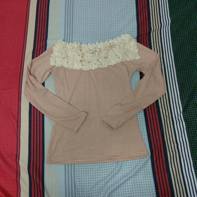 紗緞帶綴花粉色上衣