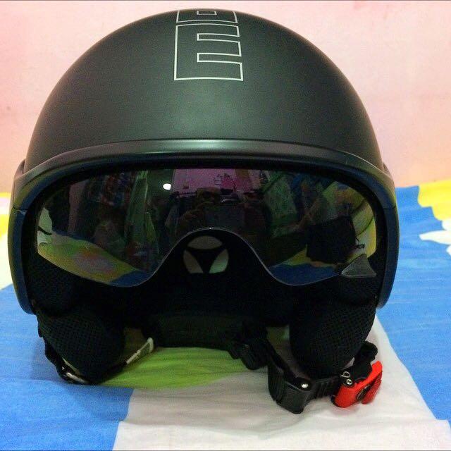 Black Matt Momo Design Half Face Helmet