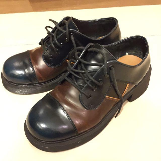 Corsage 皮鞋