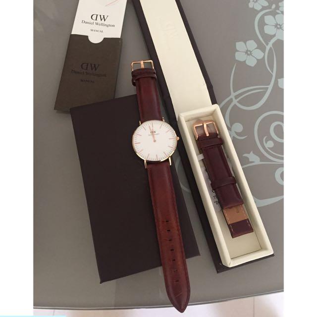 DW手錶(附全新皮革錶帶)