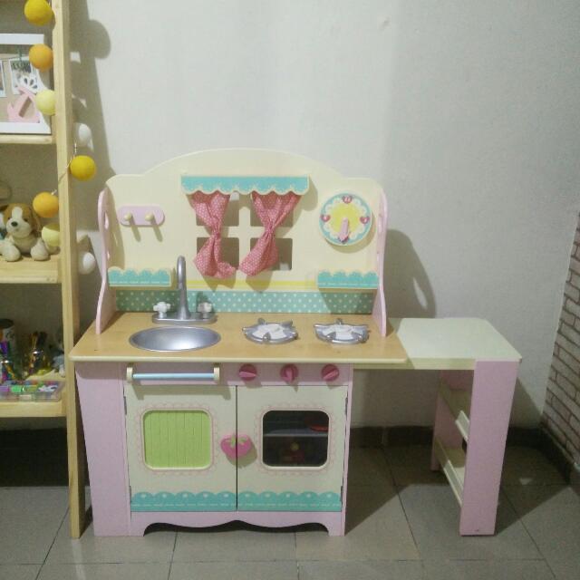 ELC Wooden Cottage Kitchen