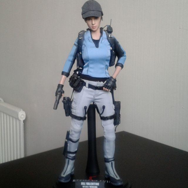 Hot Toys Resident Evil 5 Jill Valentine Bsaa Version