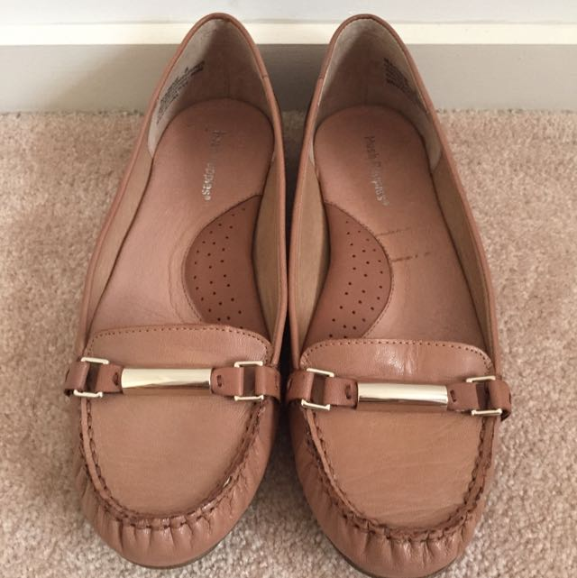 HUSH PUPPIES LEATHER LOAFERS Women's 8
