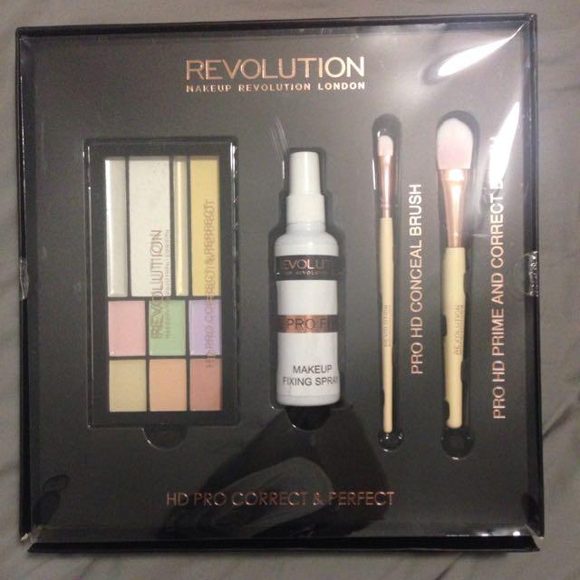 Make Up Revolution Concealer Set
