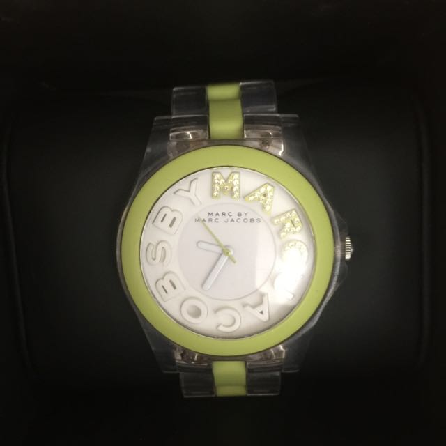 MARC BY MARC JACOBS LIME GREEN WATCH