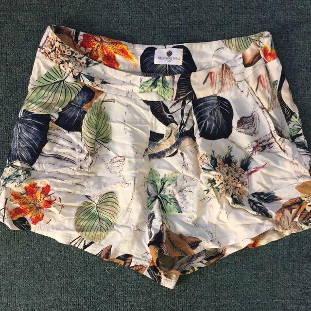 Morning Mist Shorts Size 10