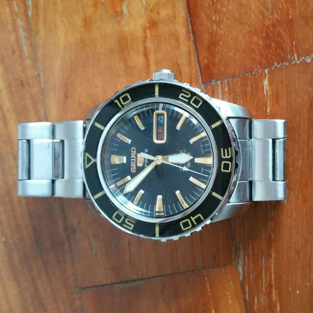 9da9ae083 Preloved SEIKO automatic Man Watch, Men's Fashion, Watches on Carousell