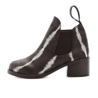 Shakuhachi Elastic Chelsea Ankle Boot Black Tie Dye size 38