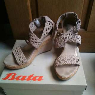 Wedges Bata