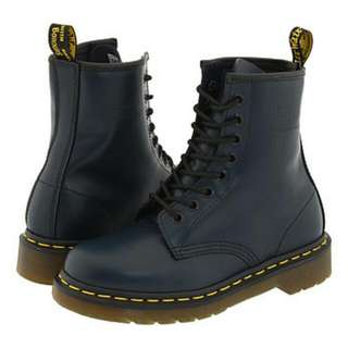 Reduced Authentic Dr Martens Boots In Navy