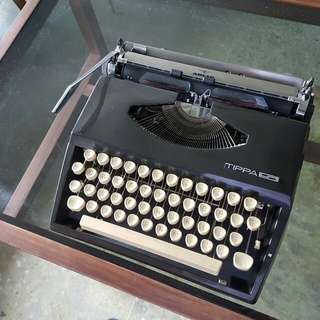 Rare 1970s Cursive Tipa Typewriter