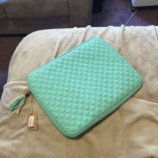Typo Quilted Laptop Case Bag
