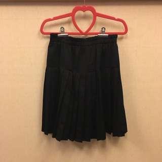 黑色及膝百褶裙