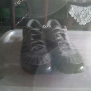 Adidas Rubber Shoes Womens Size 7 1/2