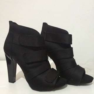 BERSKHA boots Very GOOD condition