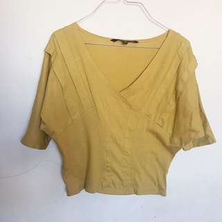 Folded & Hung Mustard Top