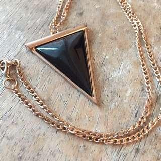 🚚 三角形墜飾 項鍊