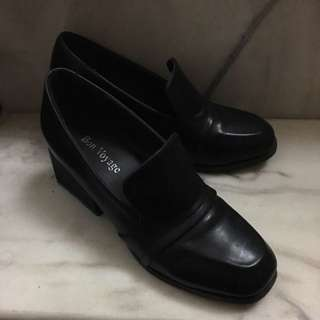 黑色粗跟樂福鞋