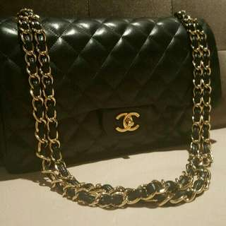 Good condition Chanel lambskin jumbo 18 series
