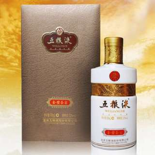 Wuliangye Jinbishengyan 五糧液 金壁聖宴酒